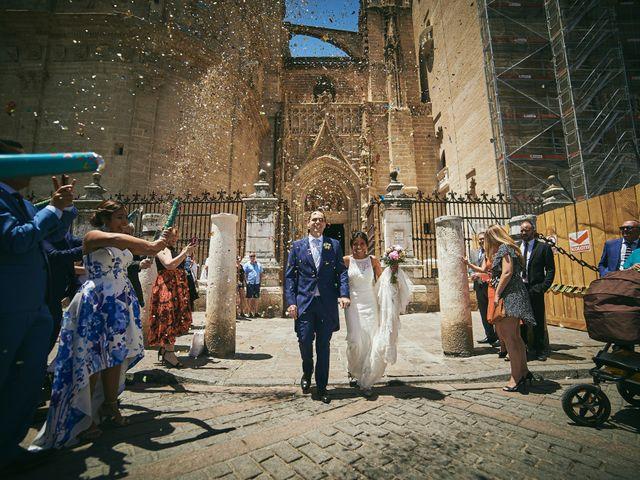 La boda de Javier y Karina en Sanlucar La Mayor, Sevilla 32