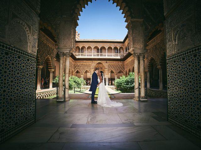 La boda de Javier y Karina en Sanlucar La Mayor, Sevilla 36