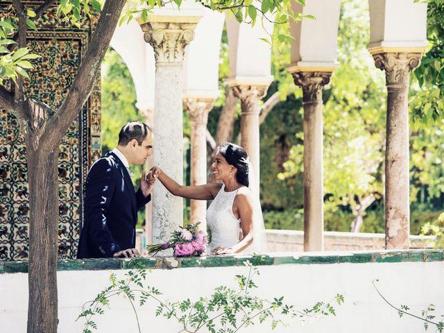 La boda de Javier y Karina en Sanlucar La Mayor, Sevilla 39