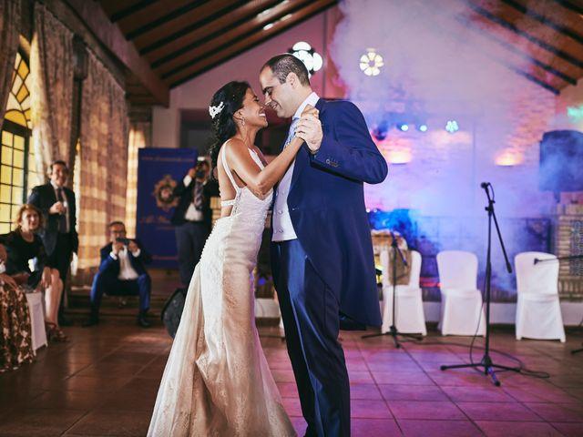 La boda de Javier y Karina en Sanlucar La Mayor, Sevilla 43