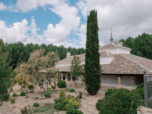 La boda de Beni y Samu en Torre De Juan Abad, Ciudad Real 33