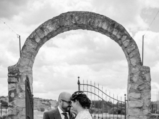 La boda de Beni y Samu en Torre De Juan Abad, Ciudad Real 44