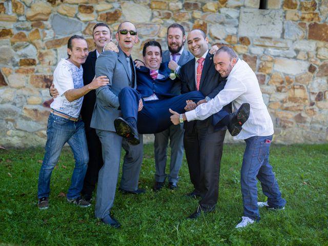 La boda de Aitor y Iratxe en Sondika, Vizcaya 17