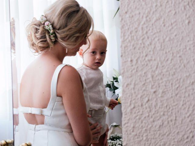 La boda de Juan y Silvia en Valencia, Valencia 32