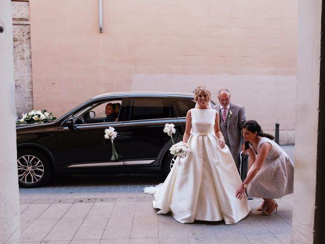 La boda de Juan y Silvia en Valencia, Valencia 43