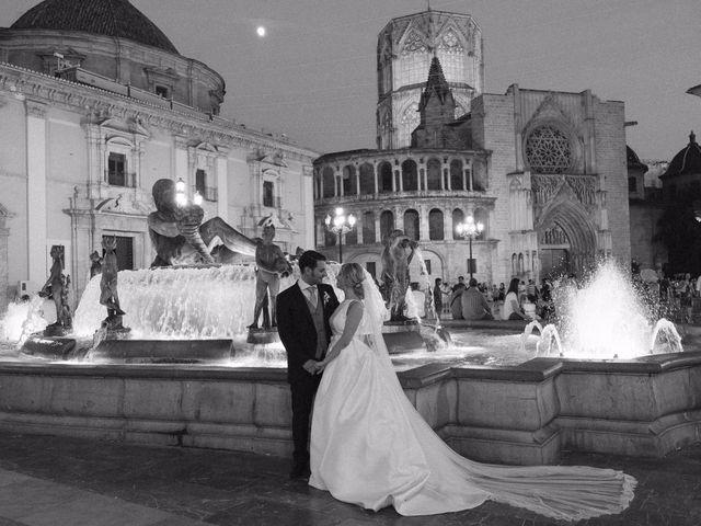 La boda de Juan y Silvia en Valencia, Valencia 70