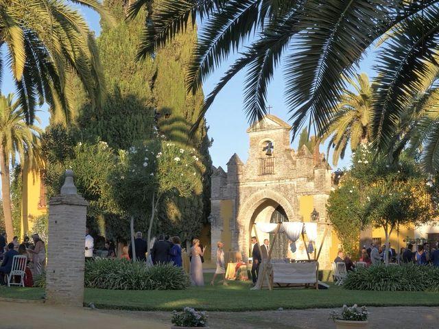 La boda de Víctor y Jessica en Fuentes De Andalucia, Sevilla 21