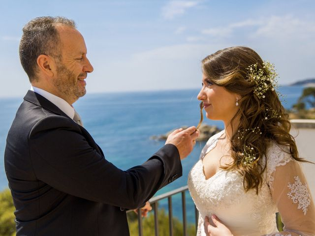 La boda de Javi y Marina en Platja D'aro, Girona 35