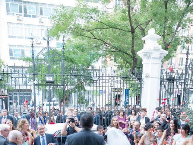 La boda de Jorge y Lucía en Madrid, Madrid 15