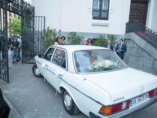 La boda de Jorge y Lucía en Madrid, Madrid 19