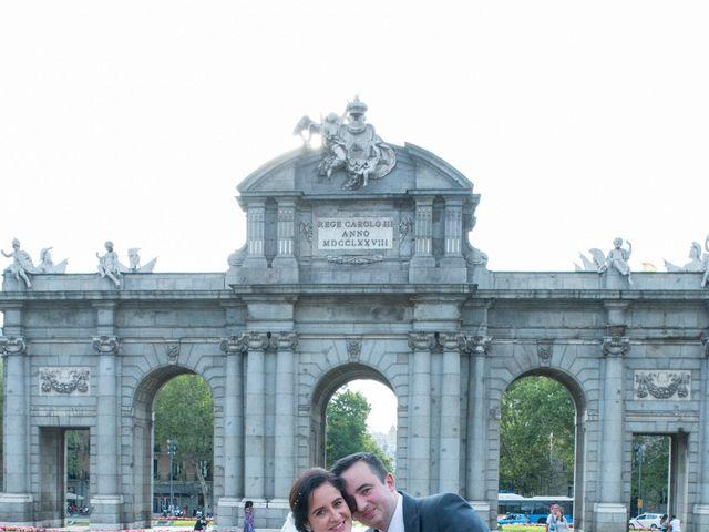 La boda de Jorge y Lucía en Madrid, Madrid 20