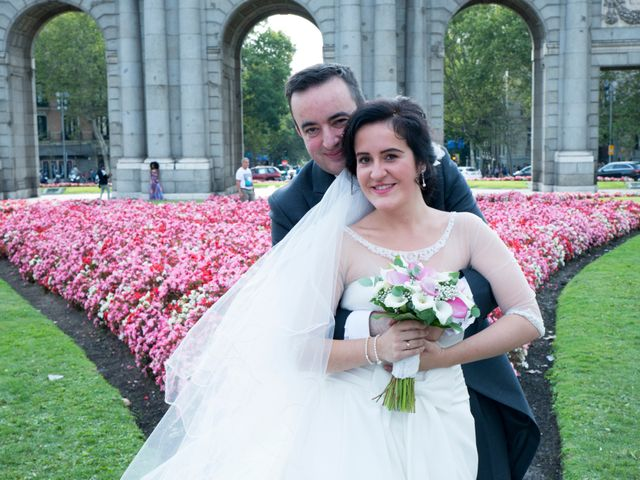 La boda de Jorge y Lucía en Madrid, Madrid 22