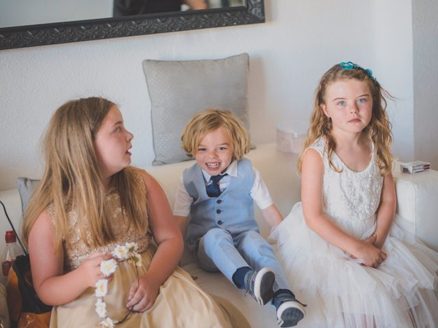 La boda de Iván y Lyndsay en Torre Del Mar, Málaga 7