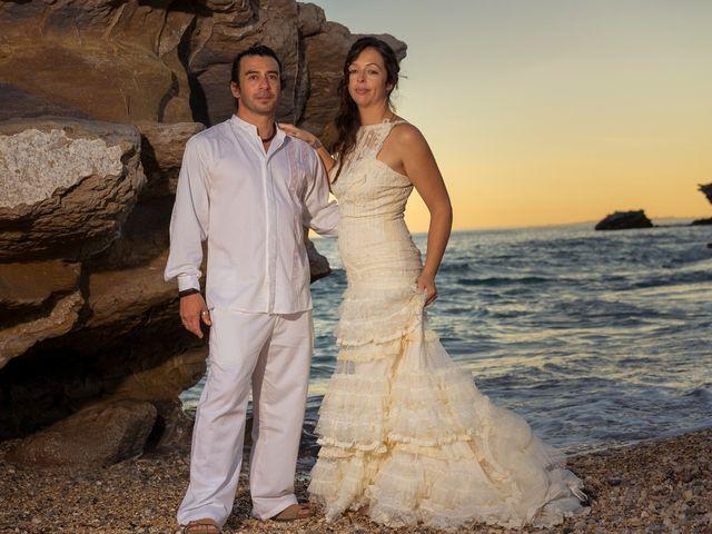 La boda de Gustavo y Inés en La/villajoyosa Vila Joiosa, Alicante 14