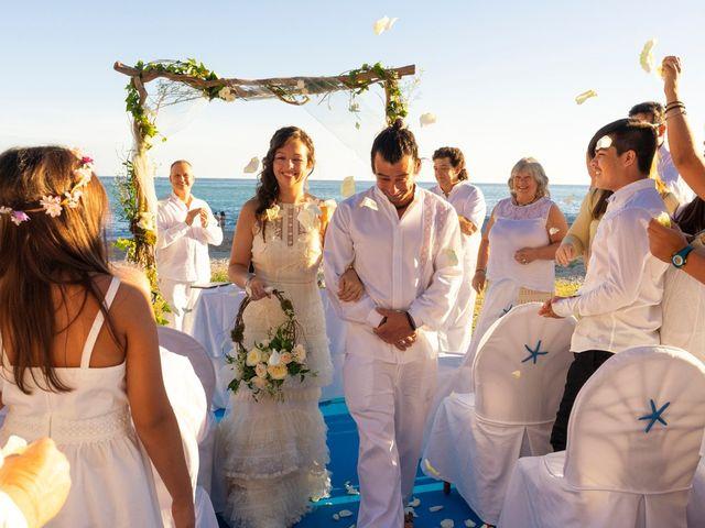 La boda de Gustavo y Inés en La/villajoyosa Vila Joiosa, Alicante 15