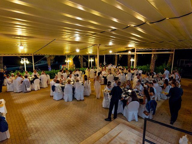 La boda de Gustavo y Inés en La/villajoyosa Vila Joiosa, Alicante 24