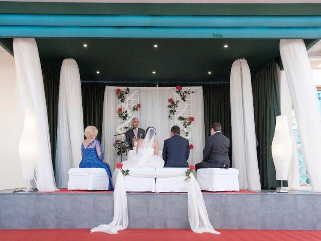 La boda de Alberto y Emily en Benalmadena Costa, Málaga 11