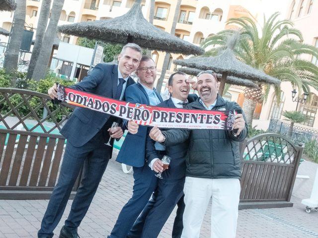 La boda de Alberto y Emily en Benalmadena Costa, Málaga 16