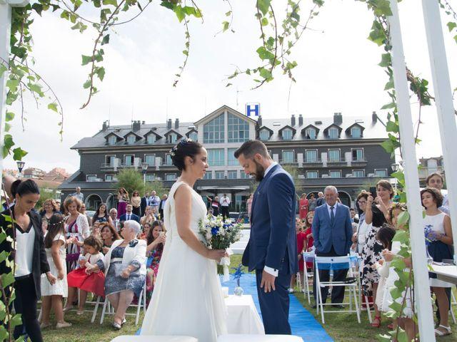 La boda de Juan y Lara en Mogro, Cantabria 26