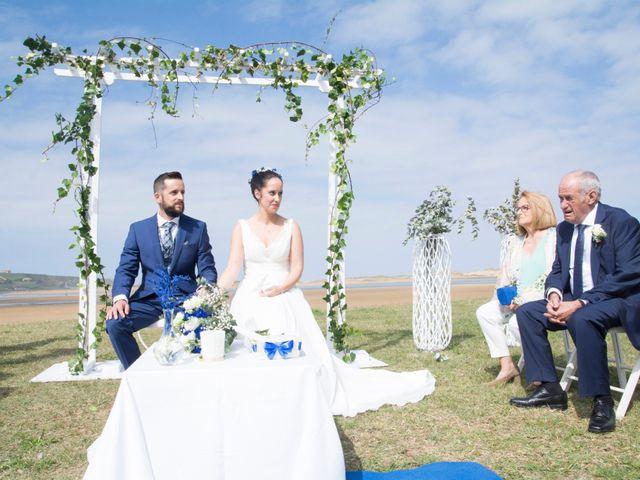 La boda de Juan y Lara en Mogro, Cantabria 28