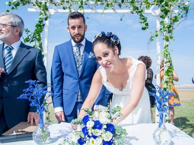 La boda de Juan y Lara en Mogro, Cantabria 40