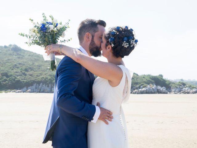 La boda de Juan y Lara en Mogro, Cantabria 44