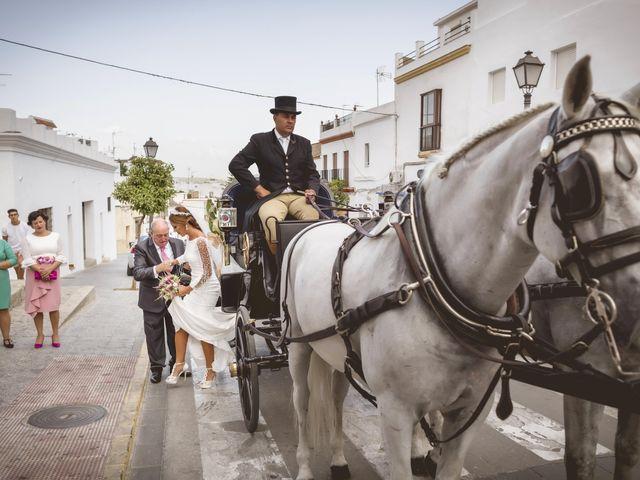 La boda de Rocío y José María en Las Cabezas De San Juan, Sevilla 8