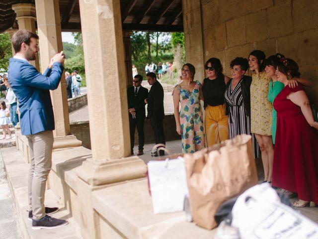 La boda de Iñaki y Raquel en Hondarribia, Guipúzcoa 24