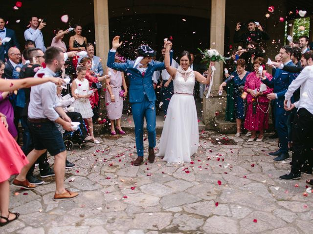 La boda de Iñaki y Raquel en Hondarribia, Guipúzcoa 48