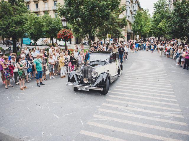 La boda de Borja y Amaia en Donostia-San Sebastián, Guipúzcoa 15