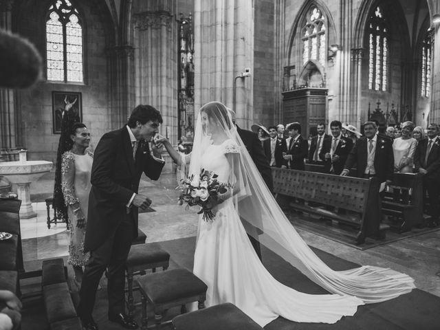 La boda de Borja y Amaia en Donostia-San Sebastián, Guipúzcoa 20