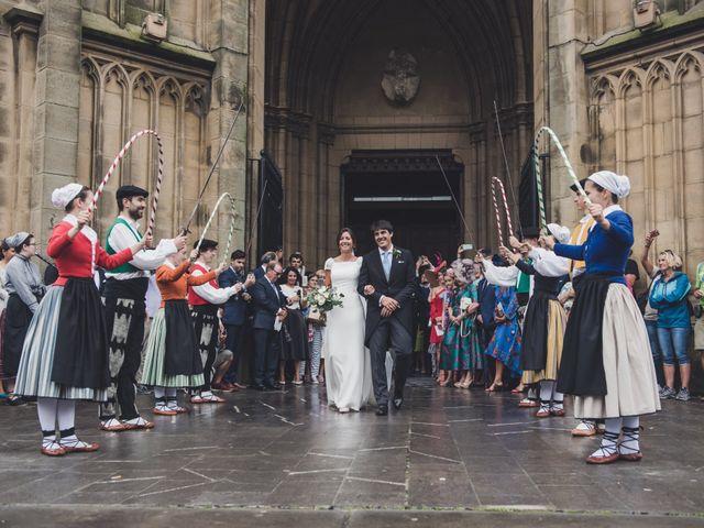 La boda de Borja y Amaia en Donostia-San Sebastián, Guipúzcoa 29