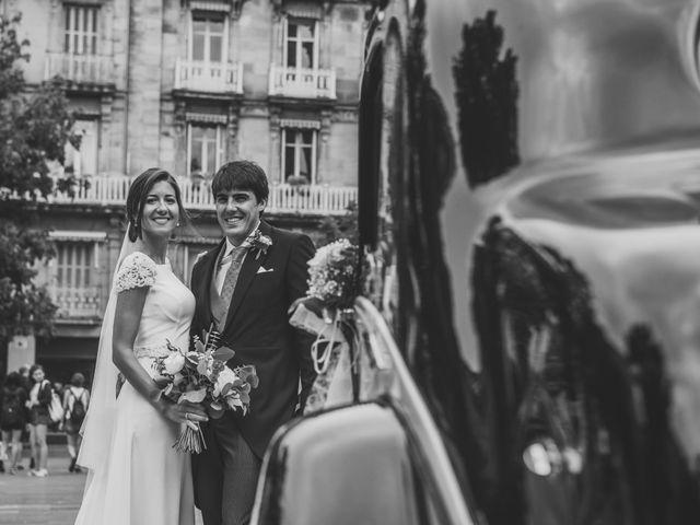 La boda de Borja y Amaia en Donostia-San Sebastián, Guipúzcoa 34