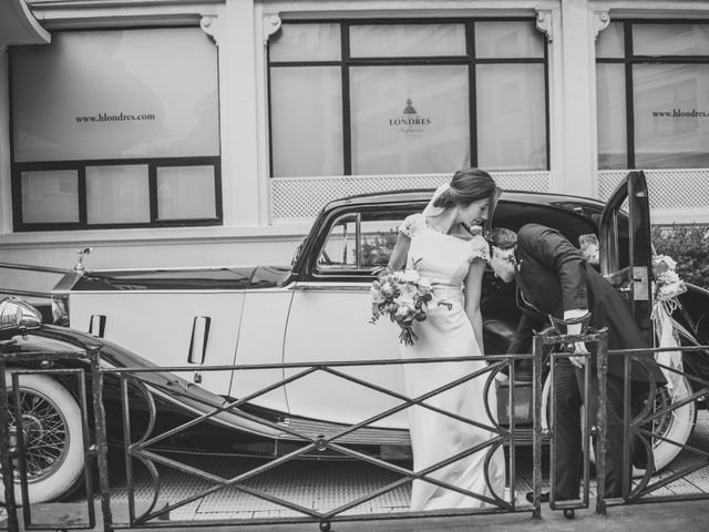 La boda de Borja y Amaia en Donostia-San Sebastián, Guipúzcoa 36