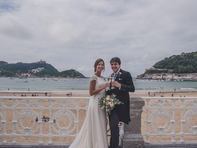 La boda de Borja y Amaia en Donostia-San Sebastián, Guipúzcoa 37