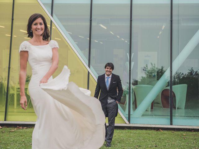 La boda de Borja y Amaia en Donostia-San Sebastián, Guipúzcoa 60