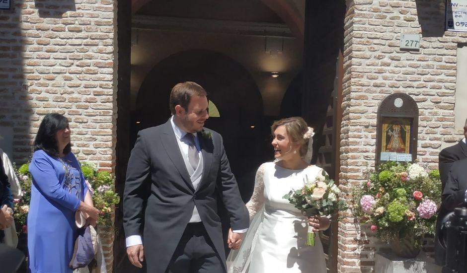 La boda de Laura y Miguel en Madrid, Madrid