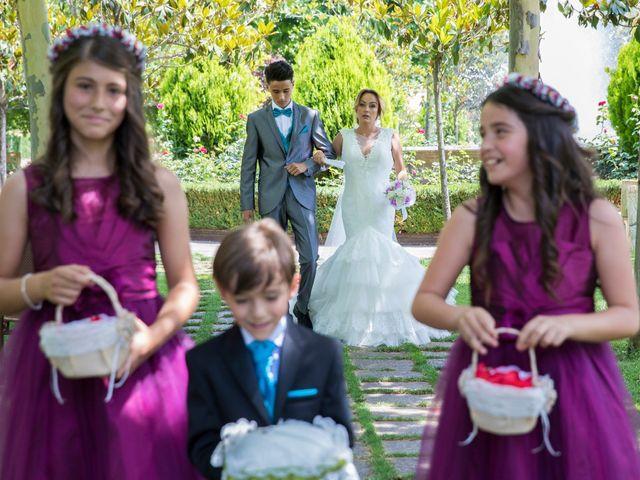La boda de David y Laura en Yunclillos, Toledo 38