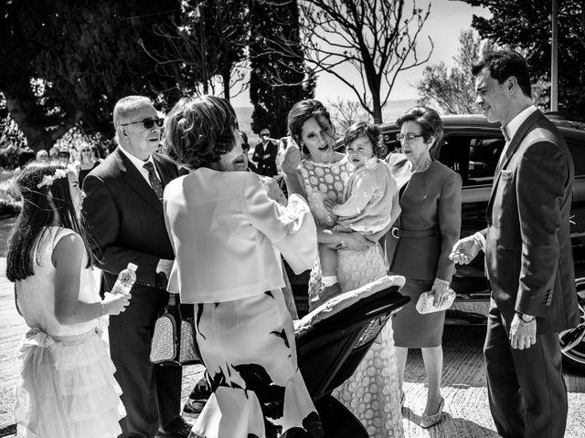La boda de Víctor y Esther en Zaragoza, Zaragoza 13