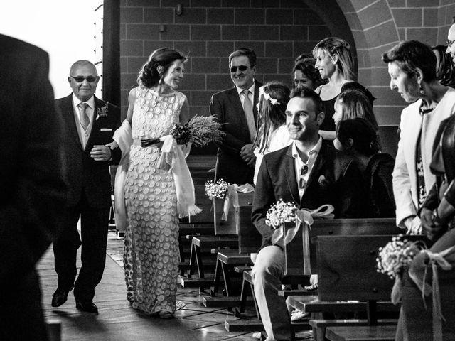 La boda de Víctor y Esther en Zaragoza, Zaragoza 15