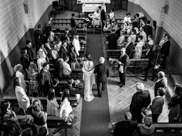 La boda de Víctor y Esther en Zaragoza, Zaragoza 16