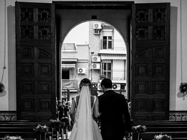 La boda de Raúl y Sole en La Algaba, Sevilla 23