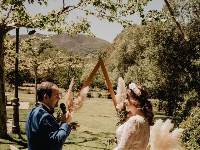 La boda de David y Carla en Navacepedilla De Corneja, Ávila 32