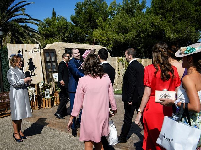 La boda de Rafael y Arantxa en Pedrola, Zaragoza 32