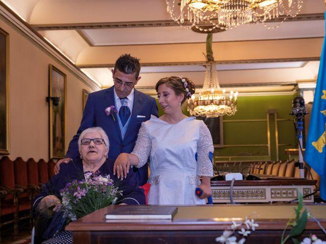 La boda de Xanu y Alegría en Oviedo, Asturias 9