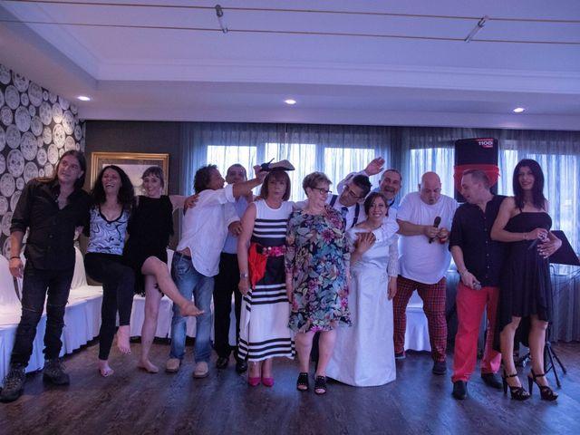 La boda de Xanu y Alegría en Oviedo, Asturias 12