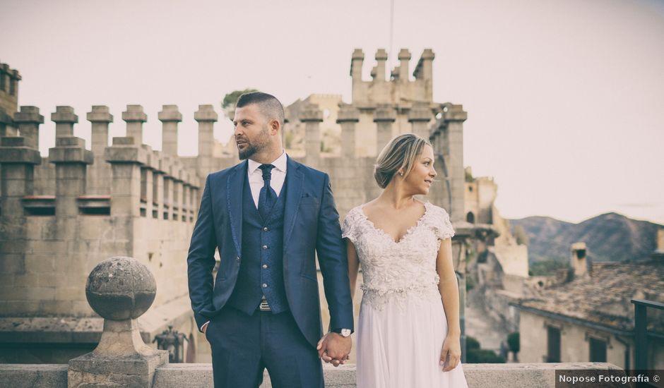 La boda de Alejandro y Arantxa en Beniflá, Valencia