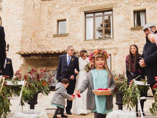 La boda de Víctor y Anna en Sant Marti De Tous, Barcelona 33