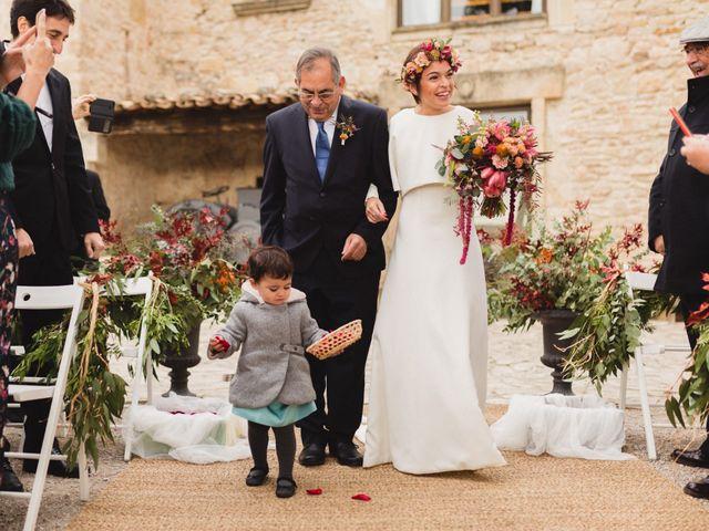 La boda de Víctor y Anna en Sant Marti De Tous, Barcelona 35