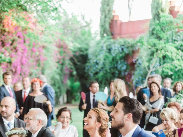 La boda de Juan y Isabel en Espartinas, Sevilla 23